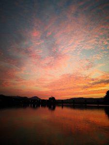 綺麗な夕陽でサンセットワンコインセルフバーはどうですか?