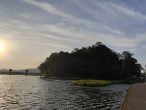 亀山公園と沈み橋